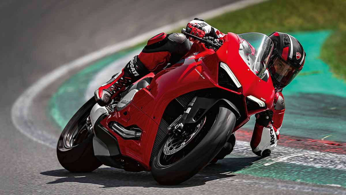 The Panigale V2 replaces the Panigale 959