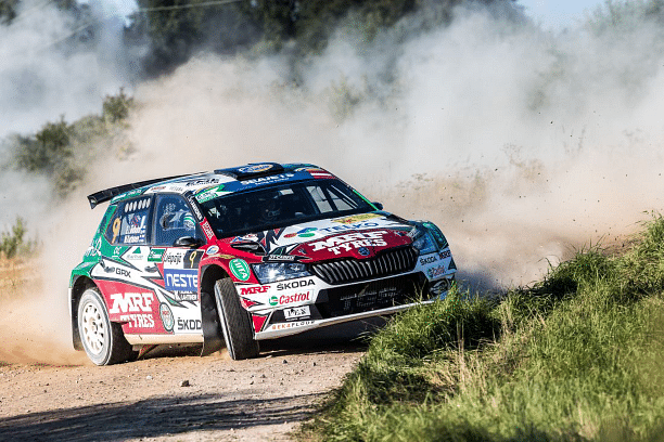 Emil drifting across the gravel track in the Fabia