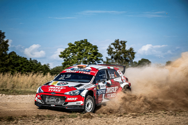 Craig Breen leaving a trail of dust in his wake