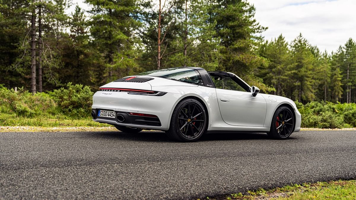 Targa shares its body and chassis with the 911s upto thewindow line