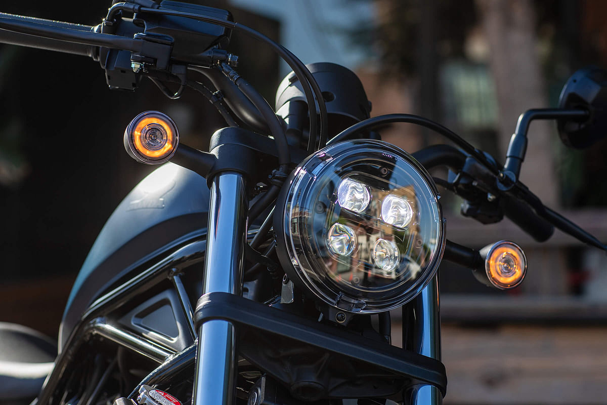 Projector headlamps on the Rebel 300