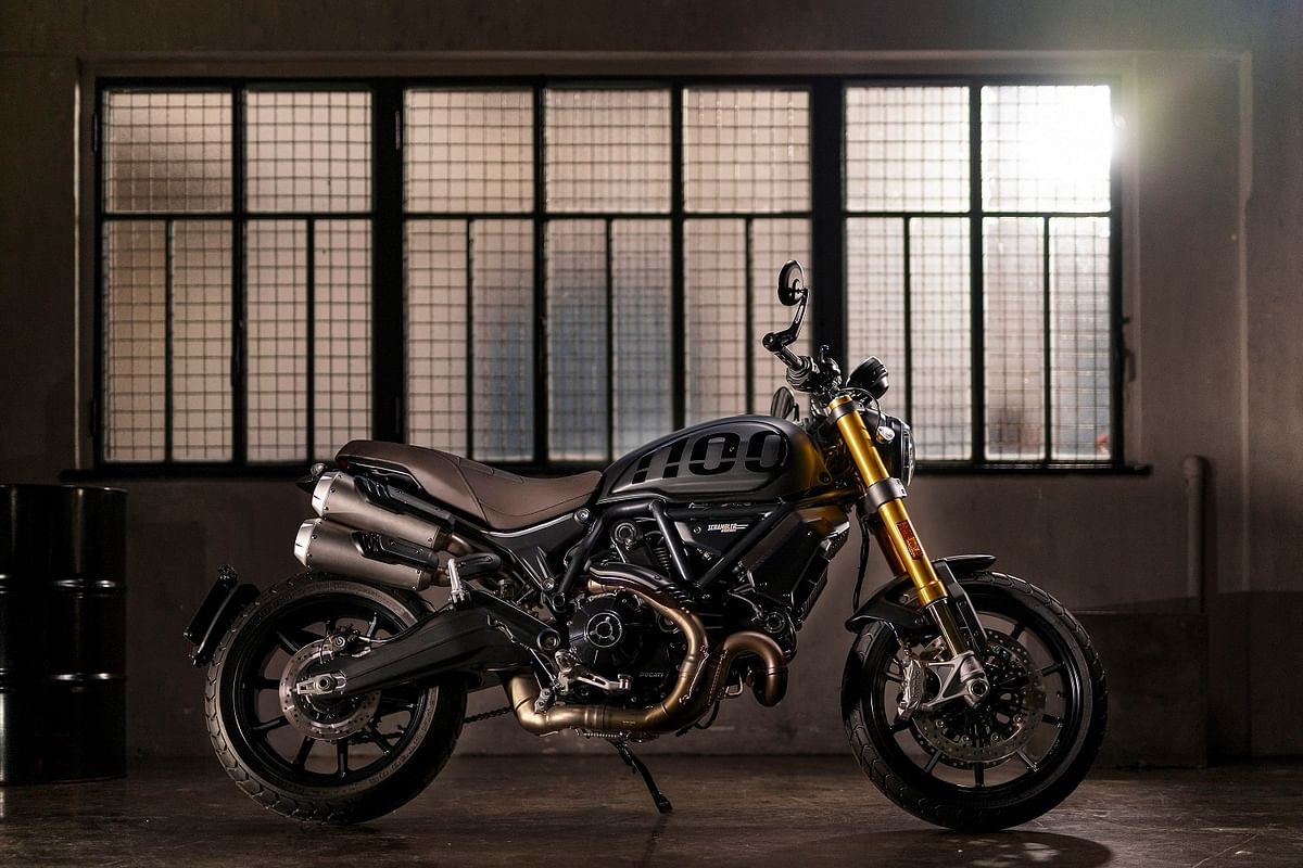 The new Scrambler 1100 Sport Pro gets a side-mounted double barrel exhaust
