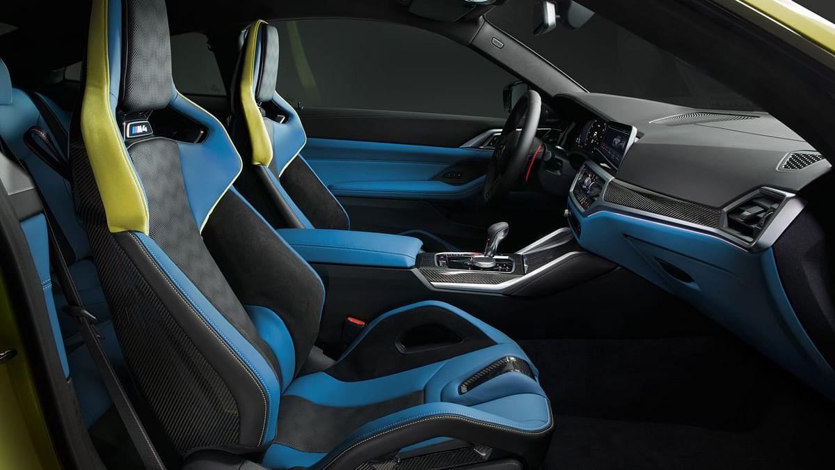 Carbon-fibre bucket seat option