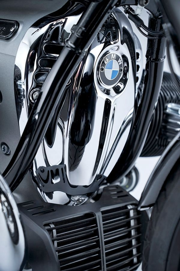 The chromed-out 1802cc Big Boxer engine
