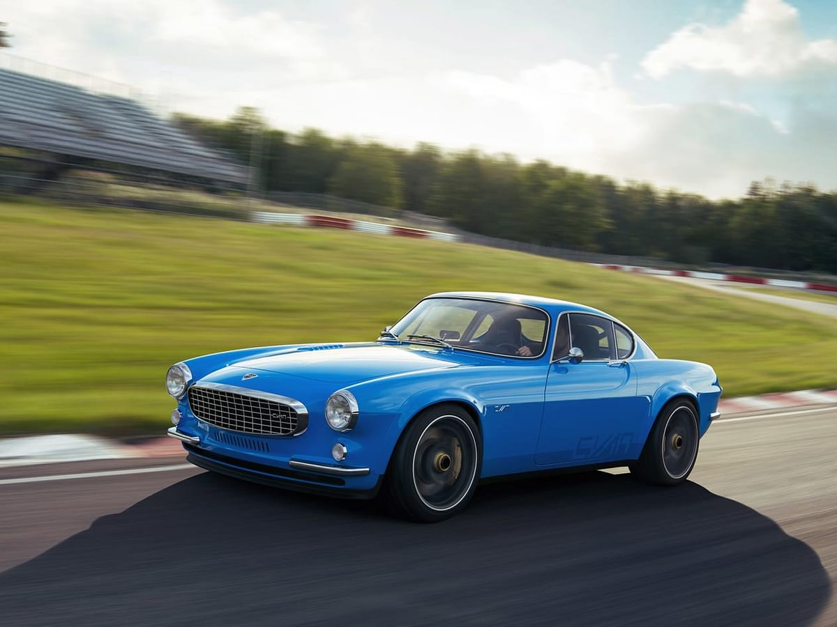 Volvo P1800 Cyan restomod revealed – Volvo's racing arm fettles a classic