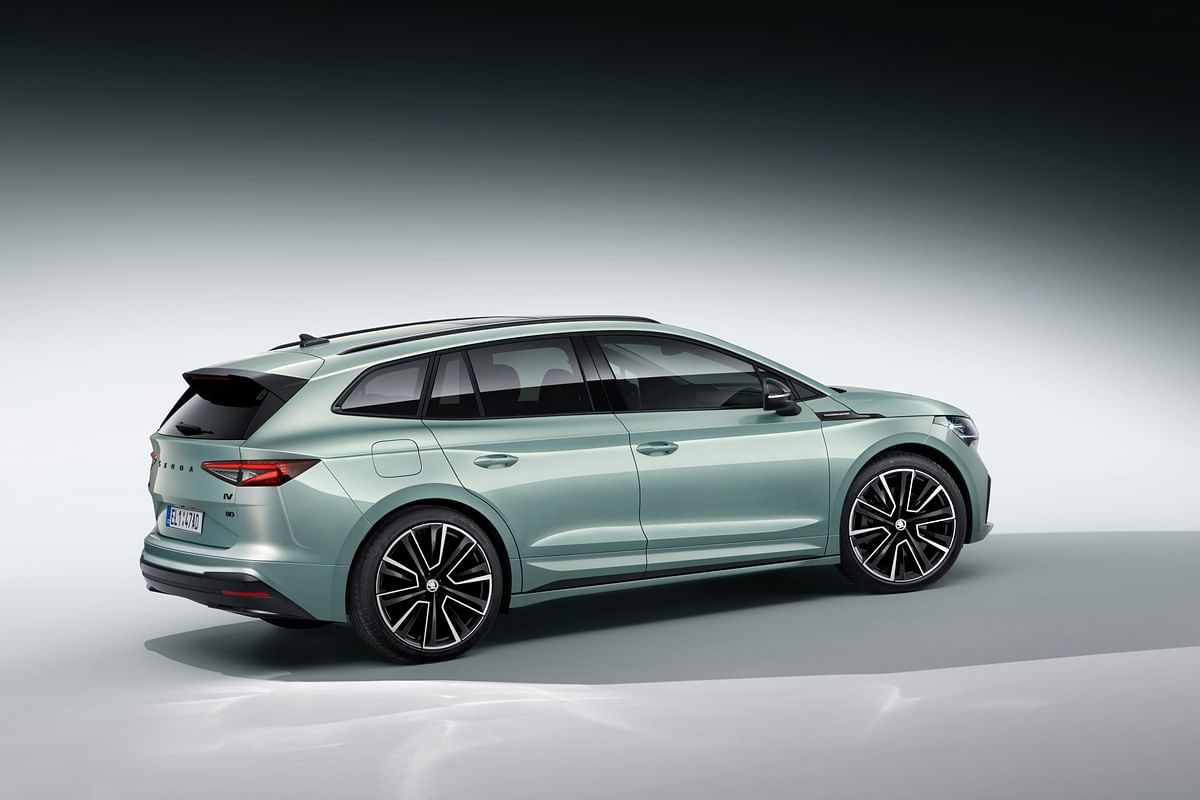 Integrated roof spoiler adds to the sporty stance
