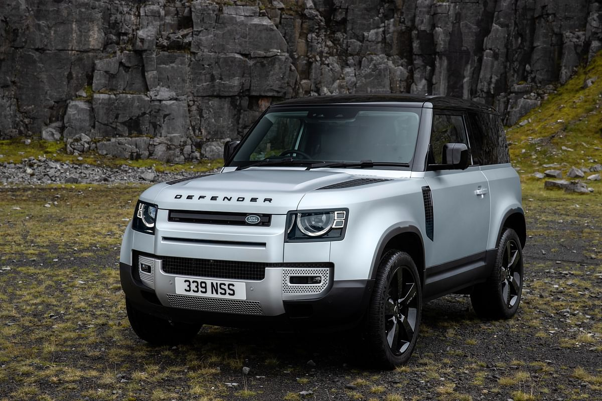 Deliveries of the Land Rover Defender 90 will start after some time