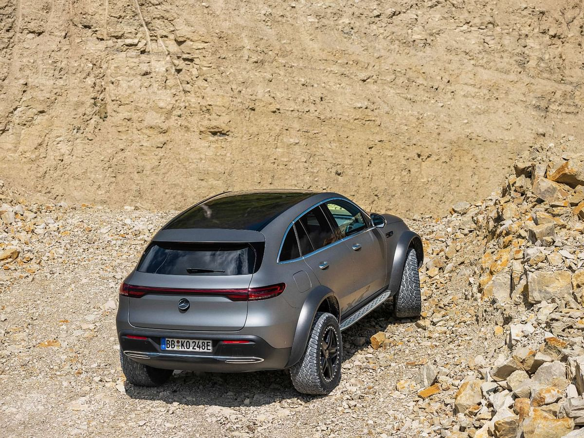 The ground clearence in the off-road version is almost double than the standard EQC