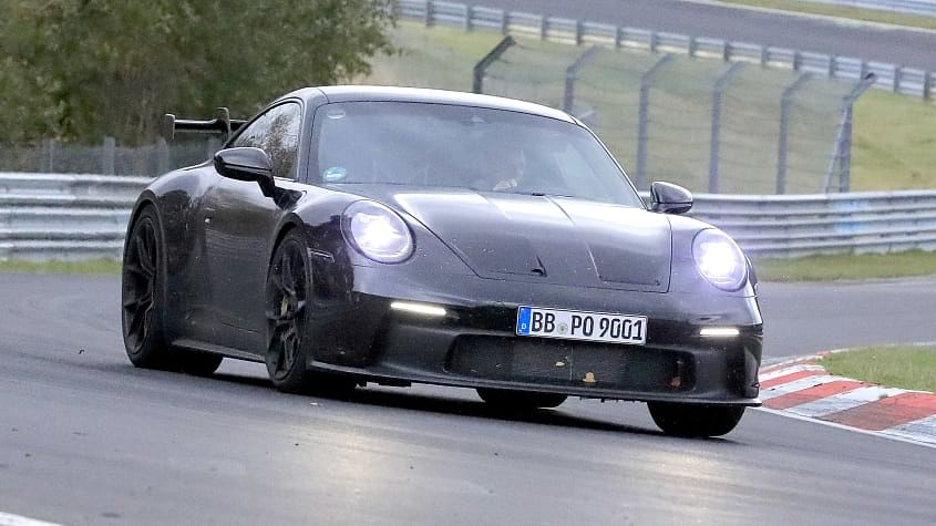 The new Porsche 911 GT3 was spotted testing without camouflage
