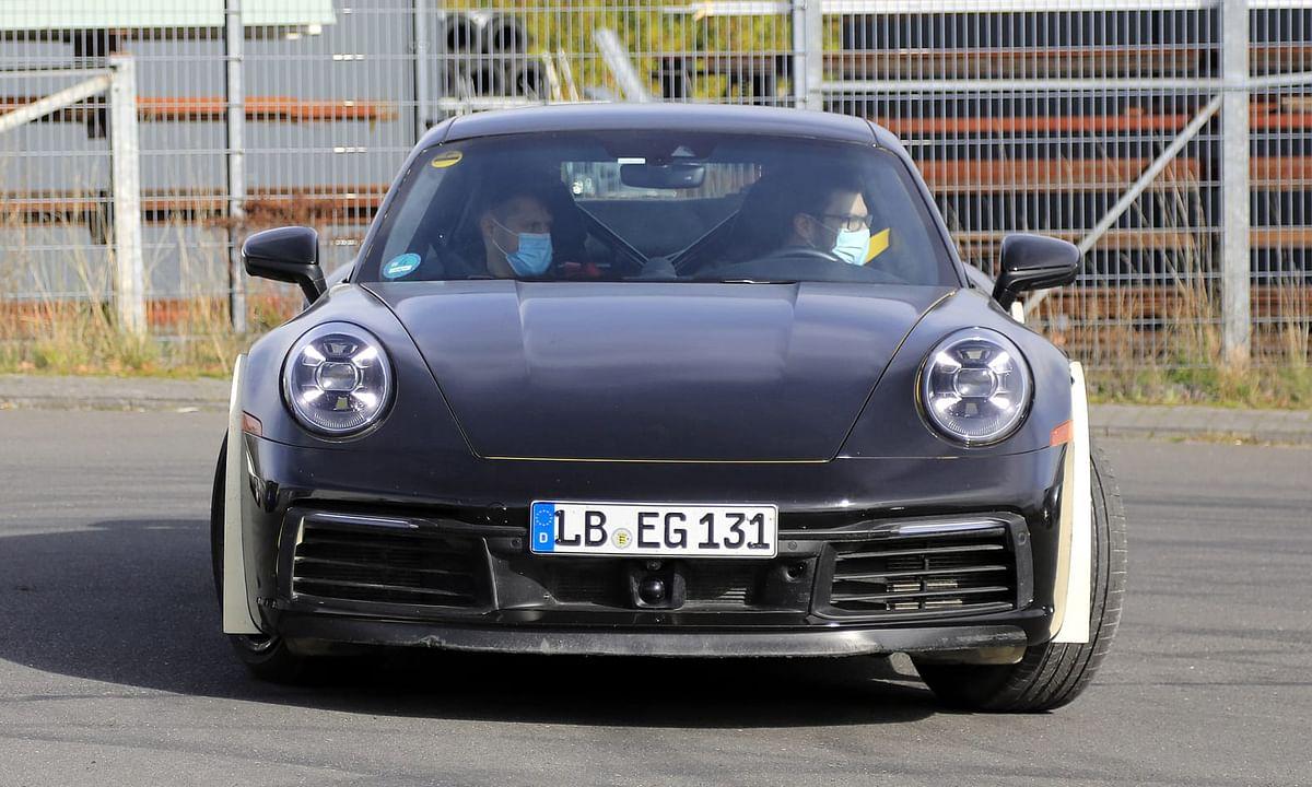 Possible Porsche 911 Safari spotted testing
