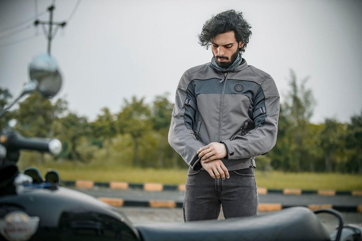 Explorer V3- a jacket suitable for highway touring