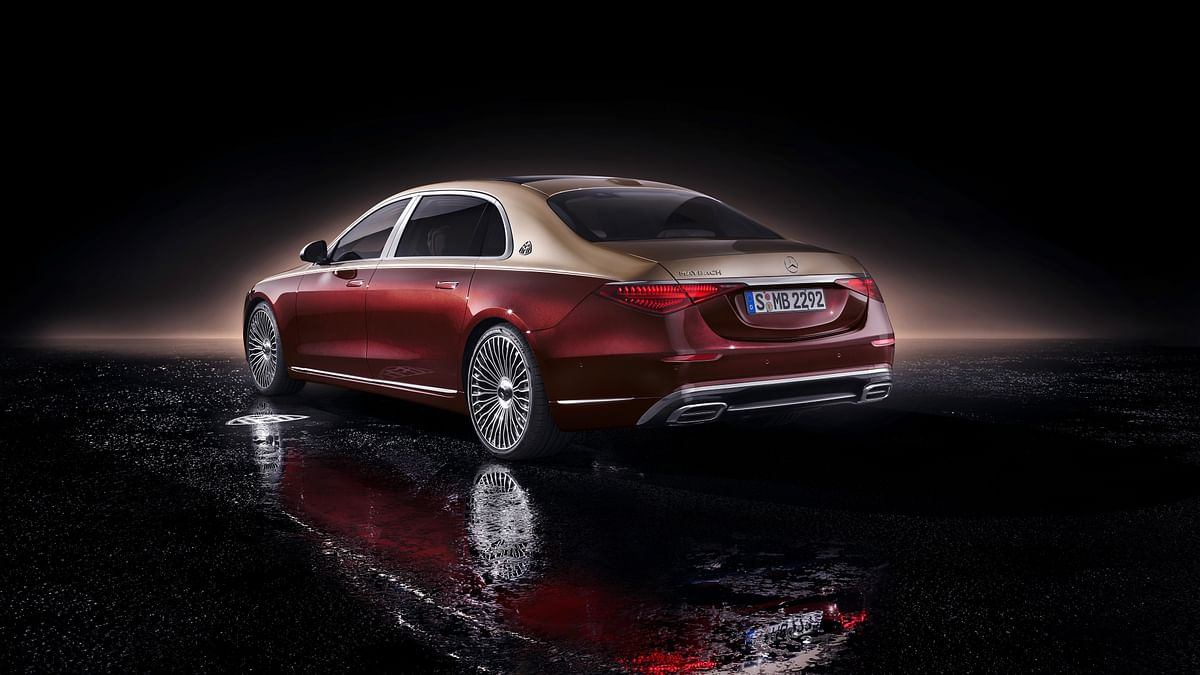 Contrast-coloured top half gives it a distinctive look. Don't miss the Maybach crest on the C-pillar