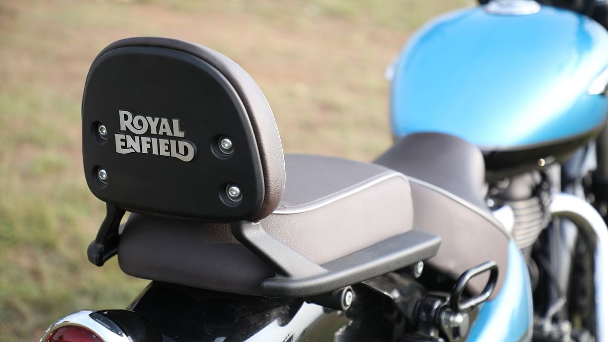 Equipped with pillion backrest