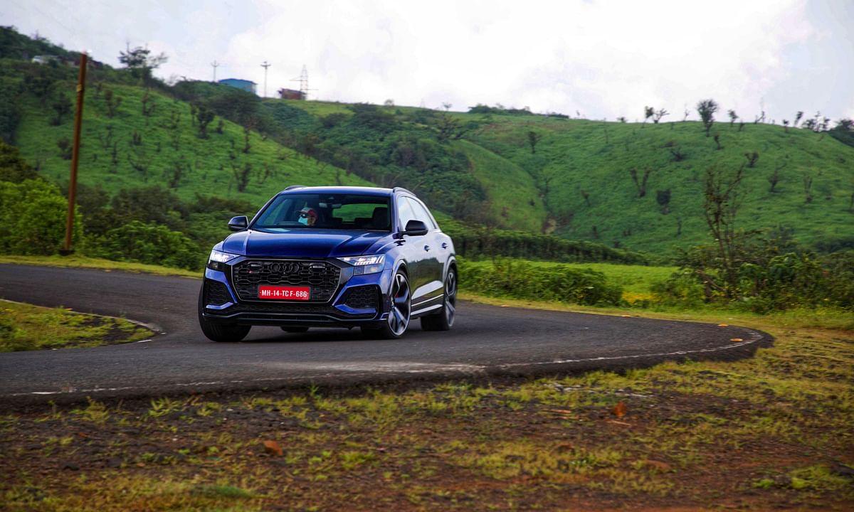 Unnatural cornering abilities of the Audi RS Q8