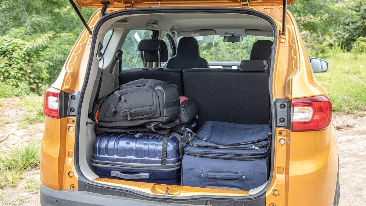The industry-first EasyFix third row of seats can be completely removed in just a few simple steps to open up 625 litres of space