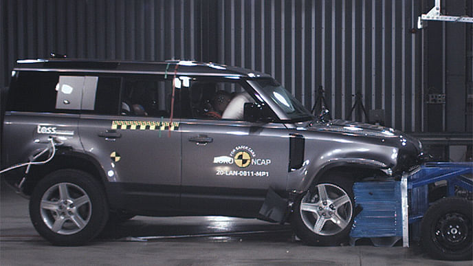 Land Rover Defender scores five stars in the Euro NCAP crash test
