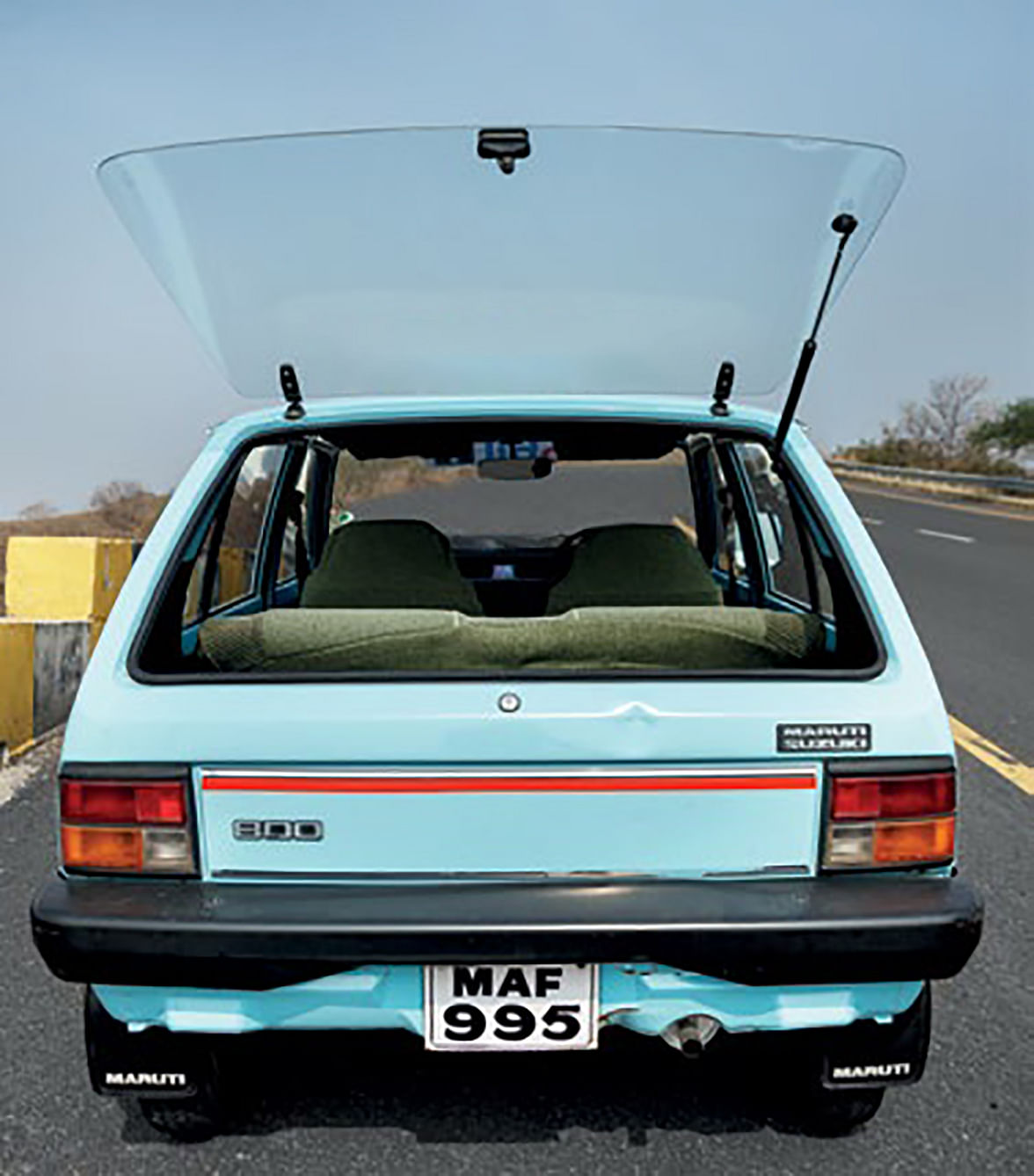 Honda Brio who? The M800 had the glass hatch way back when!