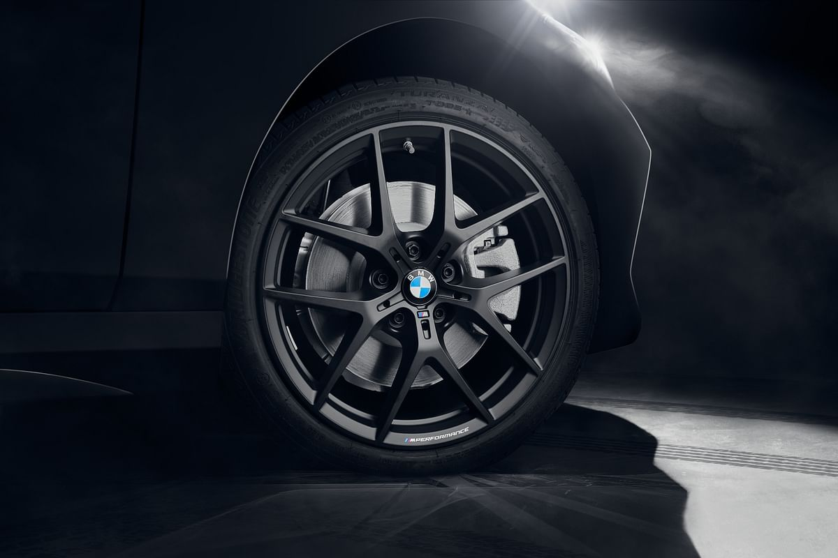 554M Jet Black M Performance alloys