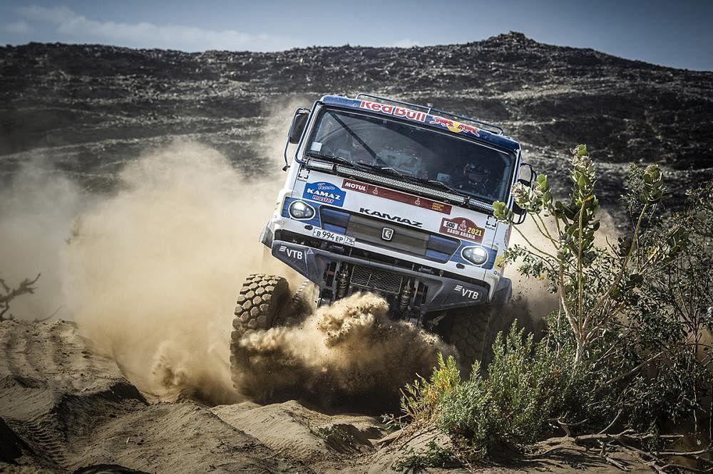 Dmitri Sotnikov and team dominate Stage 1 of 2021 Dakar