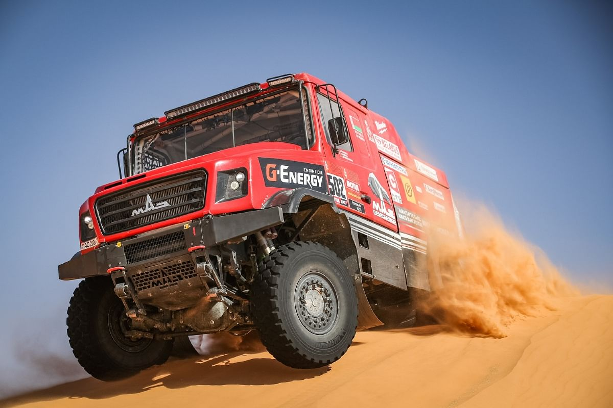 Siarhei Viazovich was  leading the special in the truck race after 262km mark
