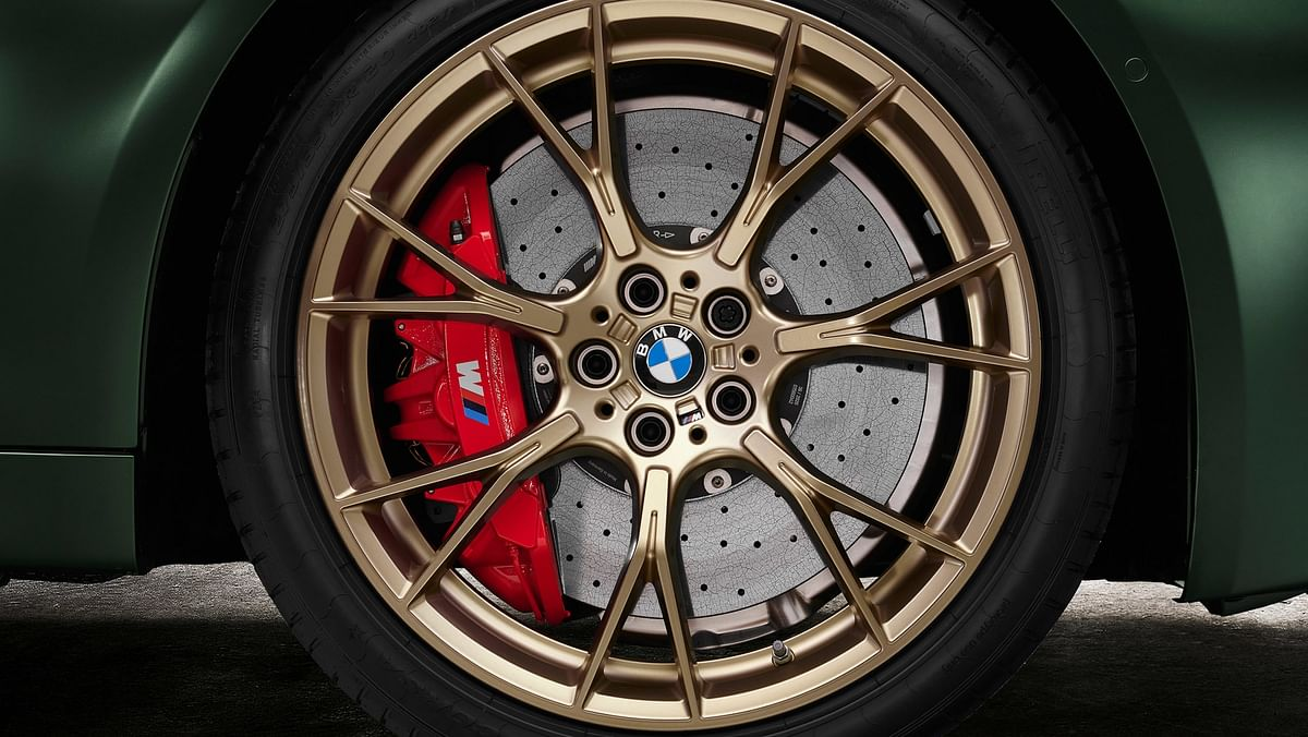 M5 CS retains same wheels as of the M5 Competition but in a soft-bronze finish