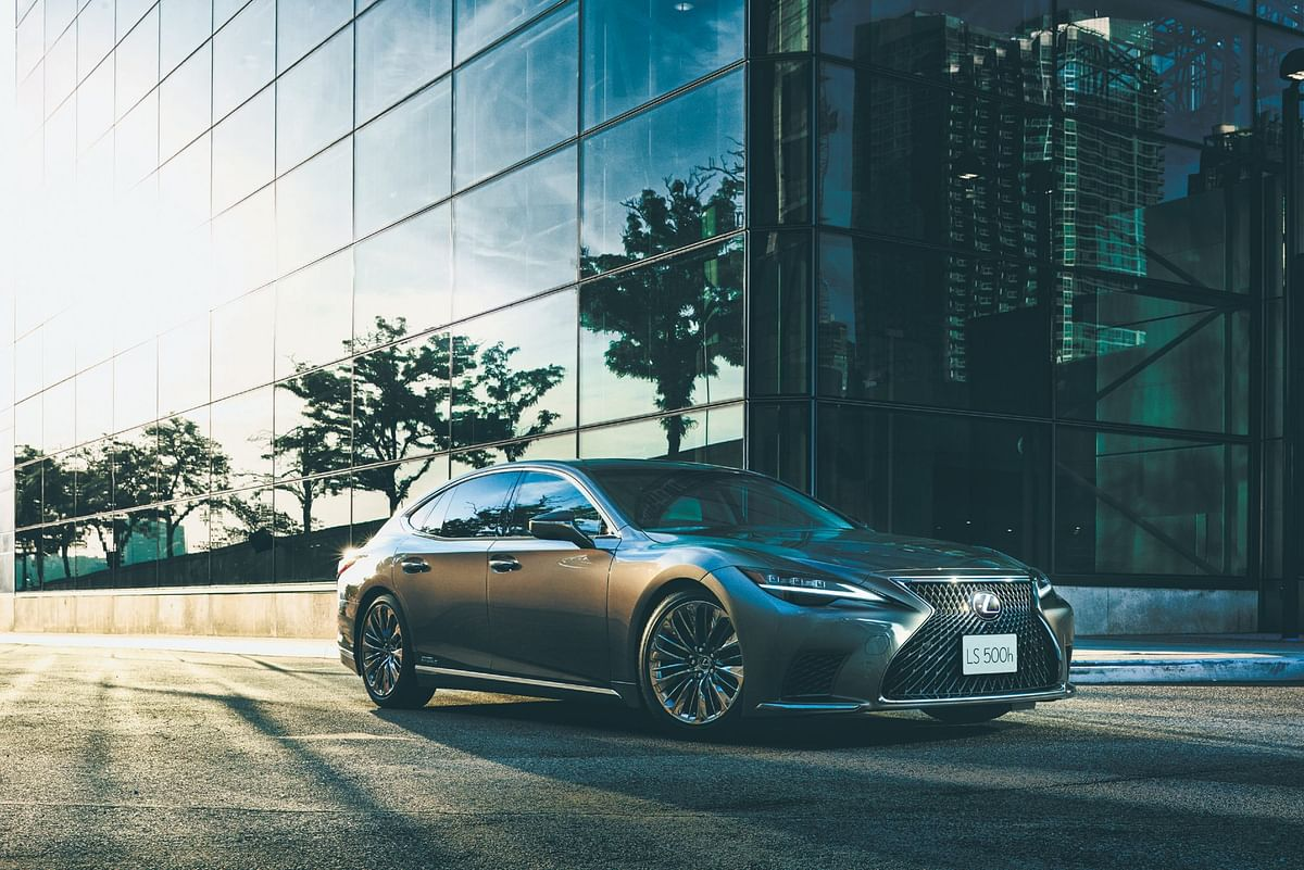 Lexus LS 500h Nishijin variant launched at Rs 2.22 crore
