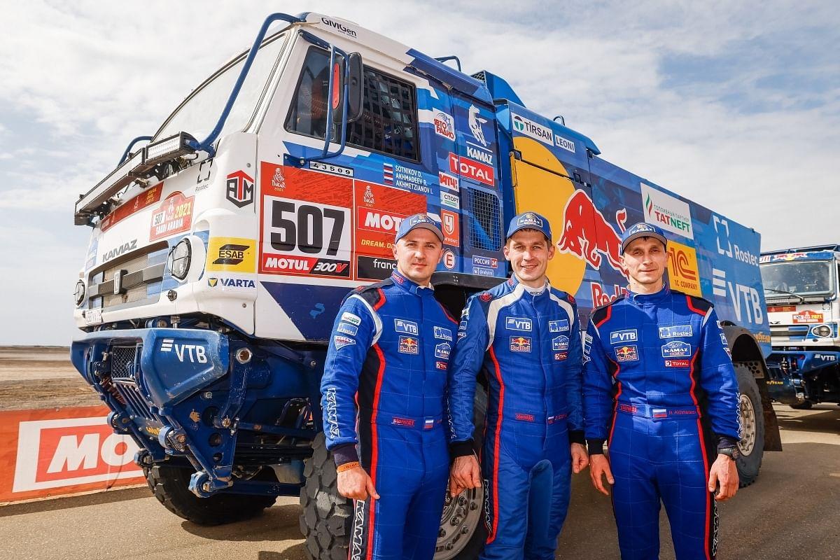Dmitri Sotnikov and team
