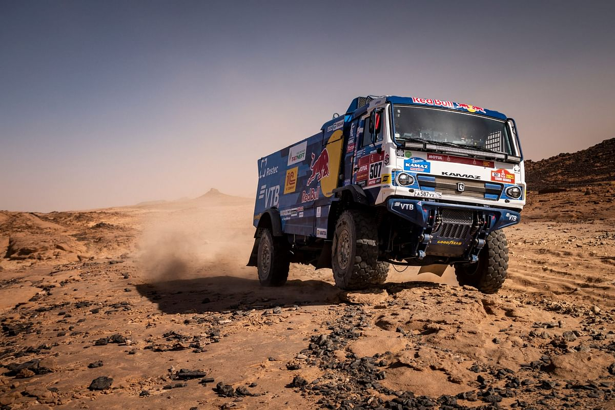 Dakar 2021 Stage 4 | Dmitri Sotnikov wins stage four, retains first position