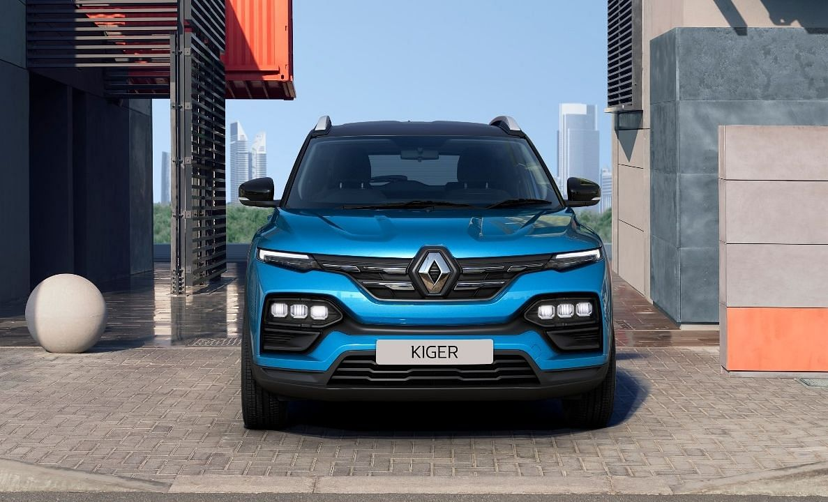 The larger than usual Renault logo on the two-slat grille adds to the 'butch' SUV look