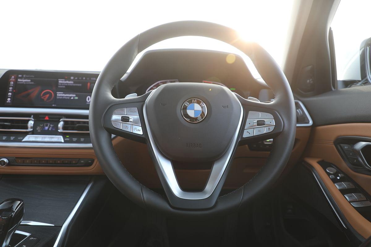 Luxury Line gets a thinner steering wheel