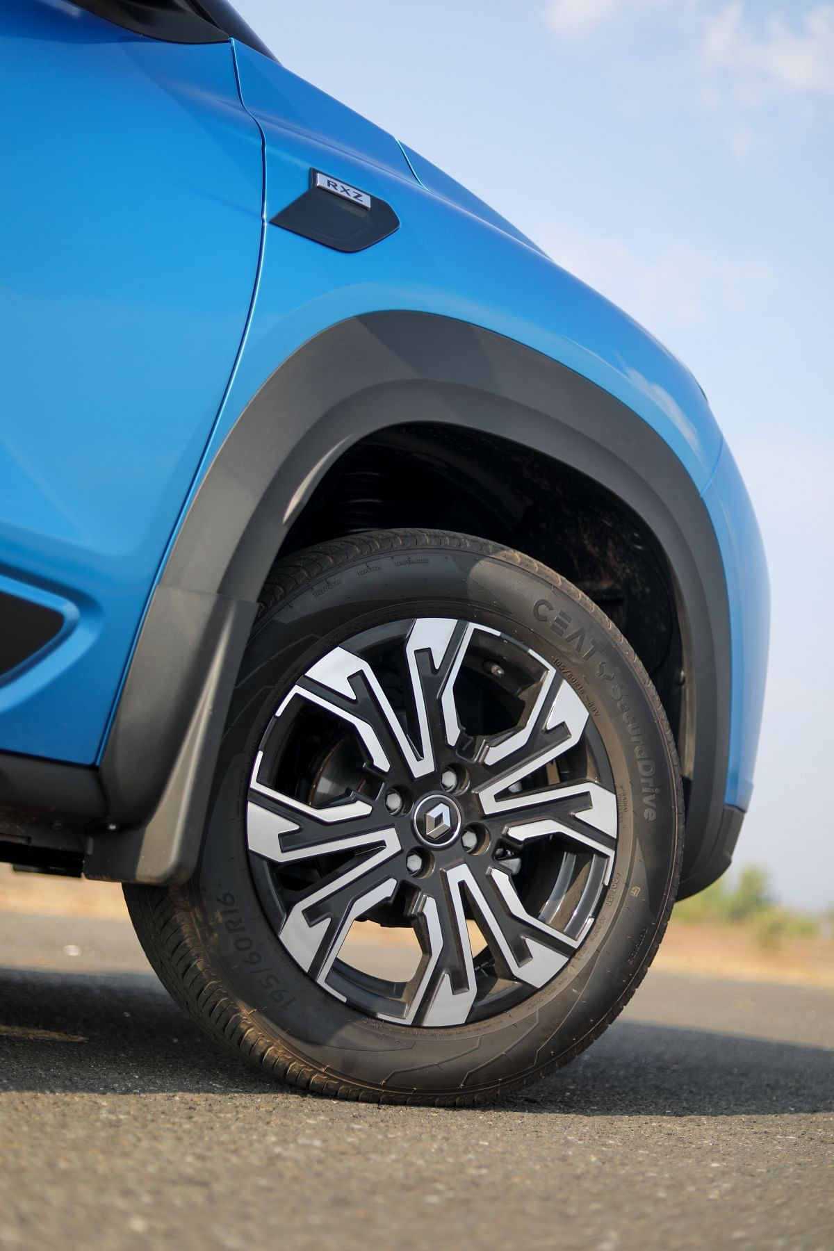 Renault Kiger's 16-inch rims have a neat two-tone design