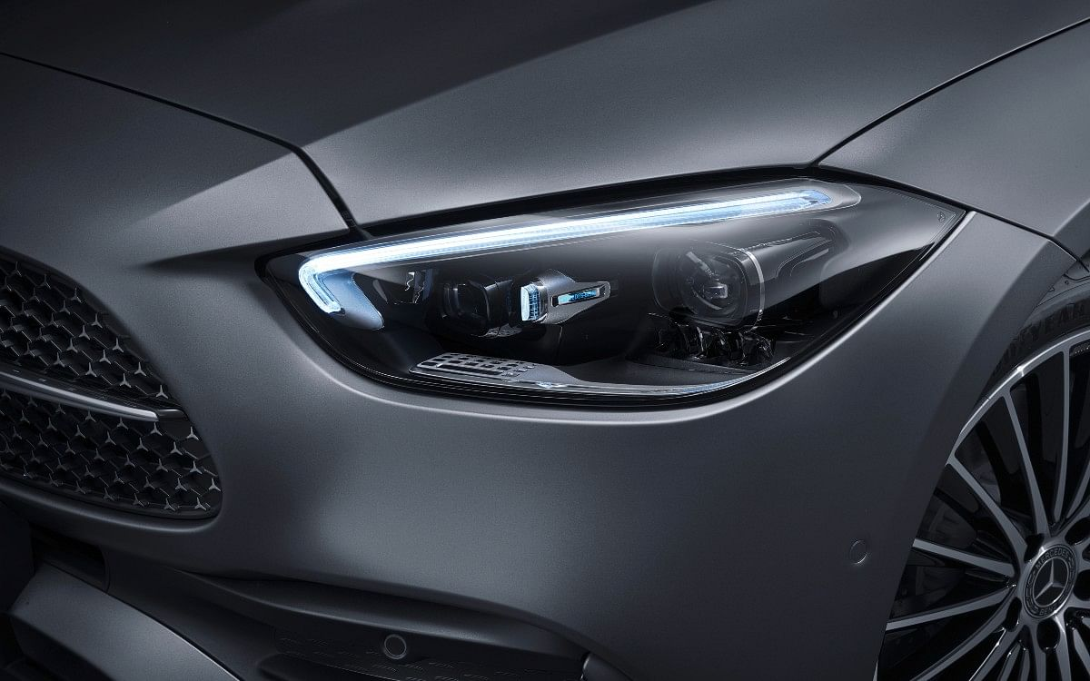 It comes equipped with LED high performance headlamps as standard