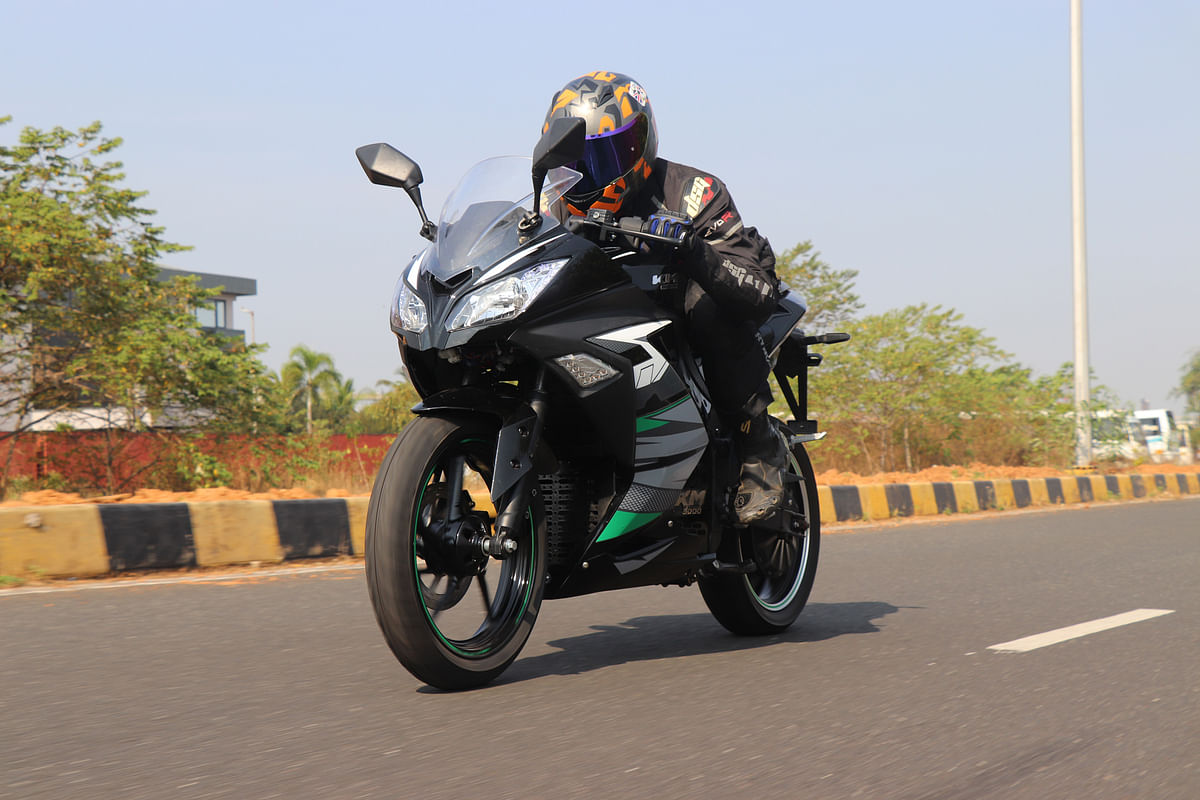 KM3000 and KM4000 review | Kabira Mobility's EV prototypes ridden
