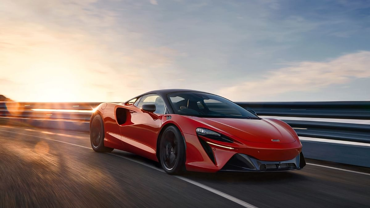 McLaren reveals the Artura hybrid supercar