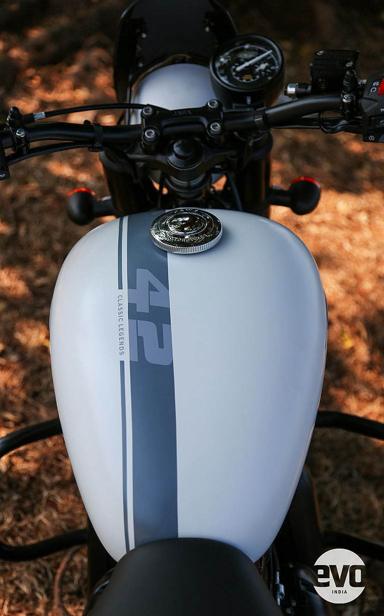 The sporty grey stripe running the length of the fuel tank and rear fender is an ode to the brand's rich racing legacy