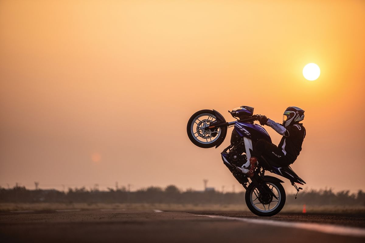The Bajaj Pulsar NS 200 is the ideal wheelie machine for both rookie stunters as well as stunt gurus, like Hrishikesh Mandke