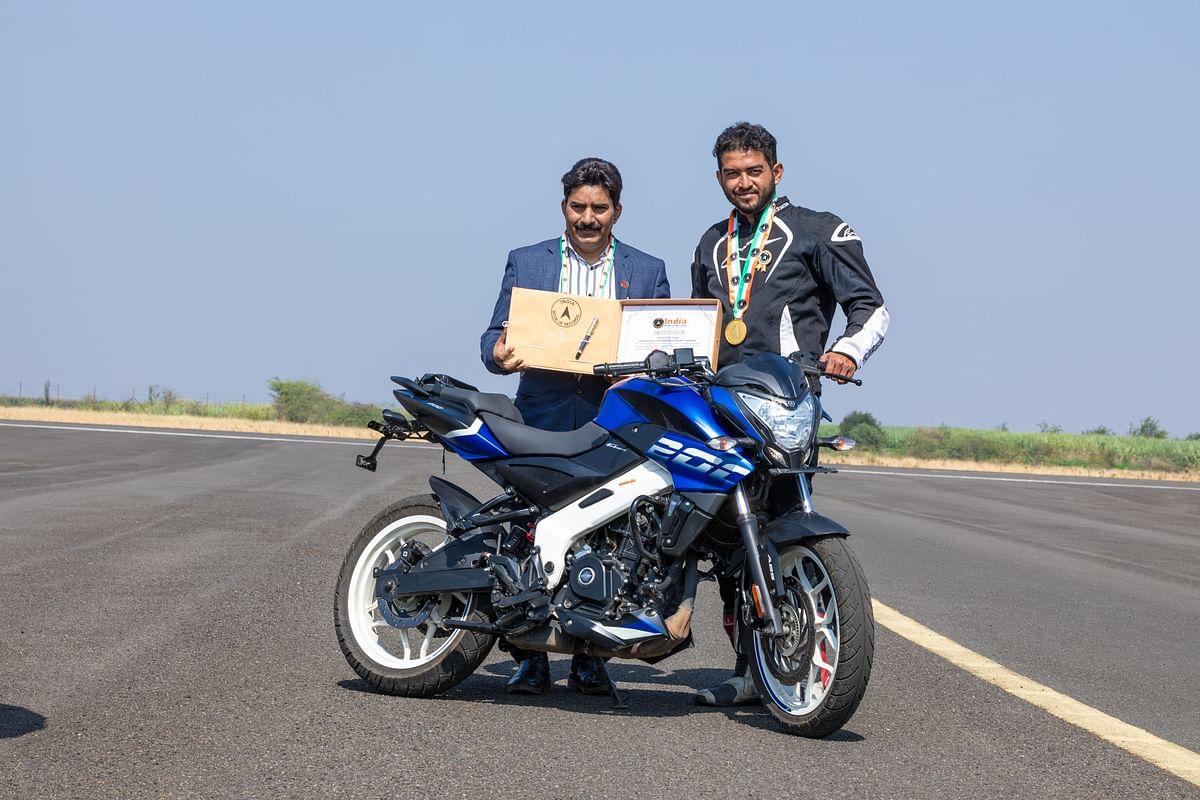 India book of records adjudicator Sandeep Singh ratifies the record