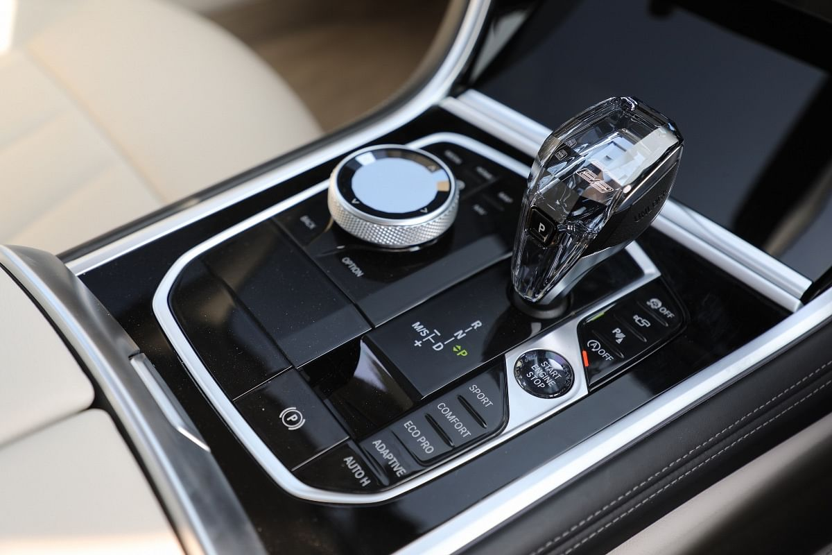Crystal finish on the gear lever, iDrive controller and engine start/stop button adds to the sense of occasion in the 8 Series Gran Coupe