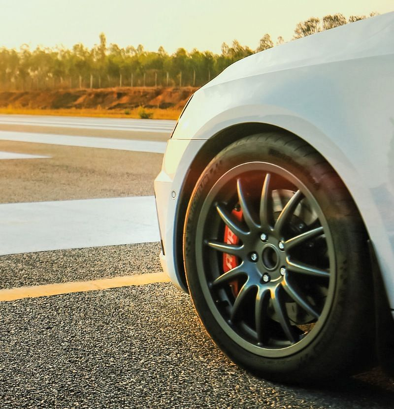Aftermarket rims are one of the few cosmetic additions done to this Skoda Octavia RS 230