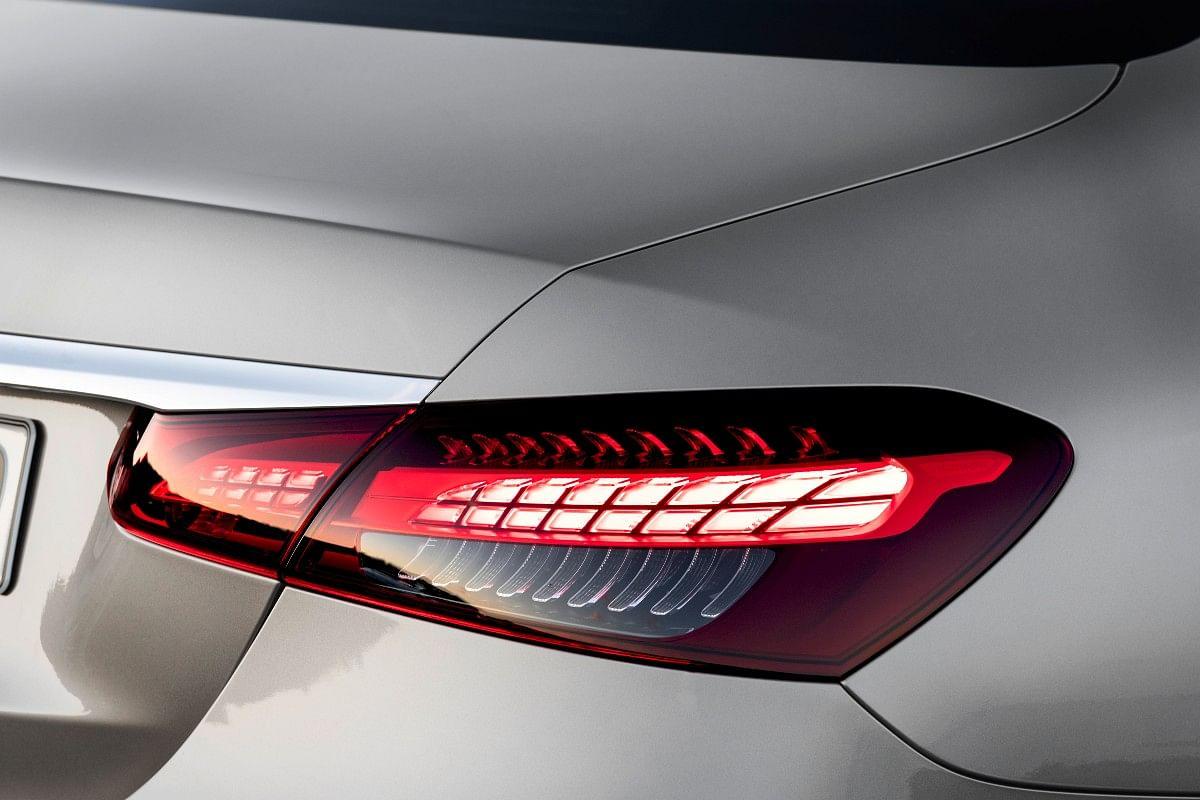 The new E-Class gets horizontal split LED taillights