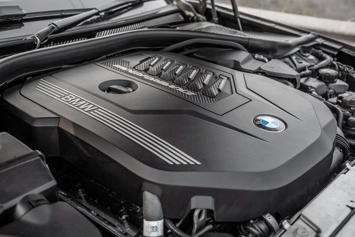 The 3-litre engine produces a colosal 382bhp and 500Nm