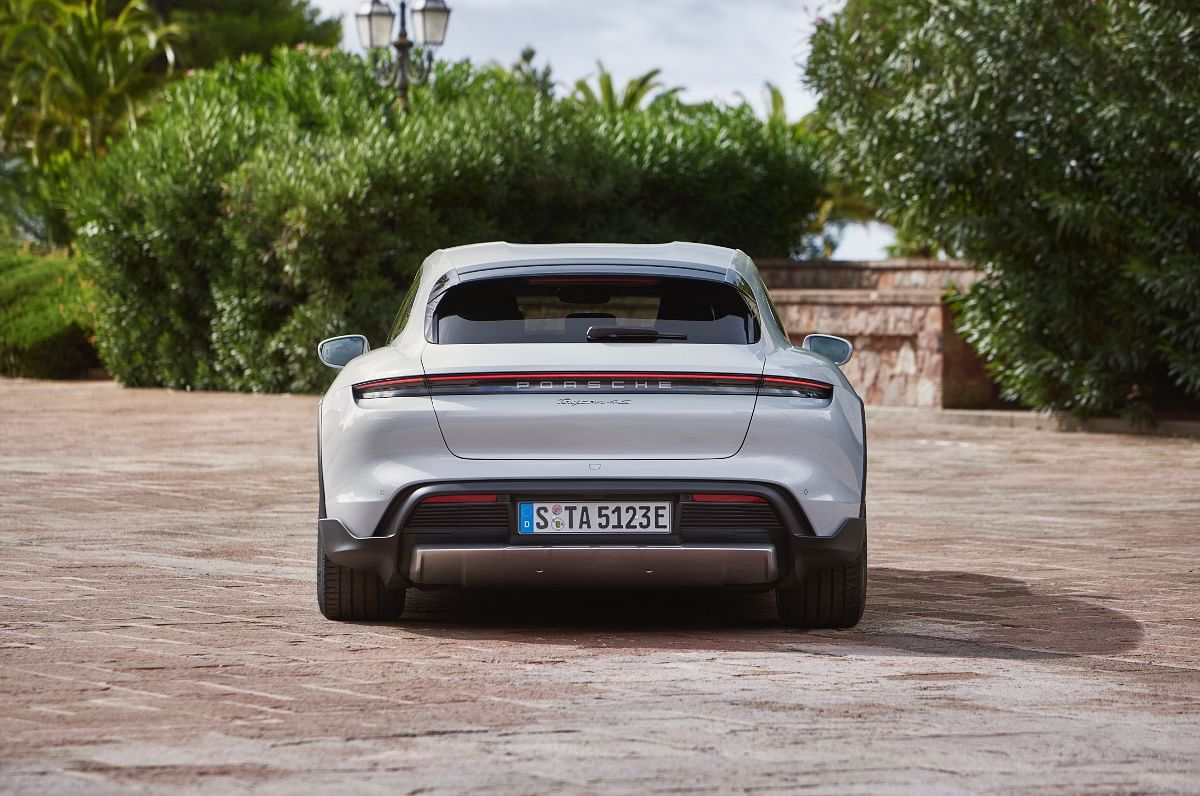 The rear-end of the Porsche Taycan Cross Turismo gets cladding to protect from stone chips