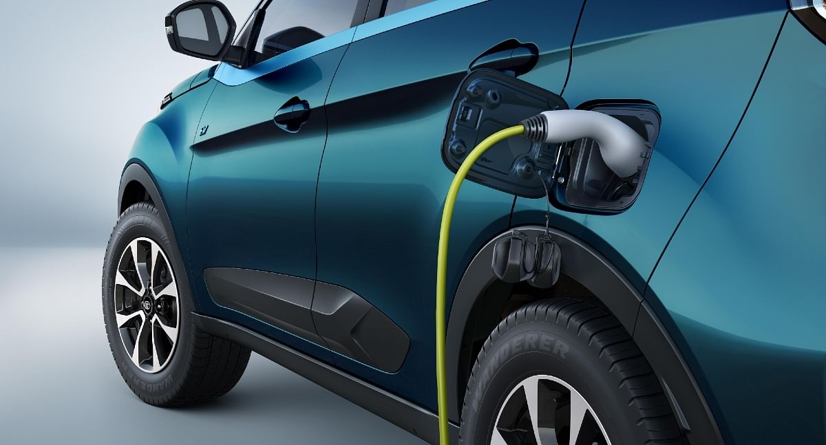 0-80% charge in just 60 minutes using a fast charger, while the EV can also be plugged-in at homes using 15A sockets