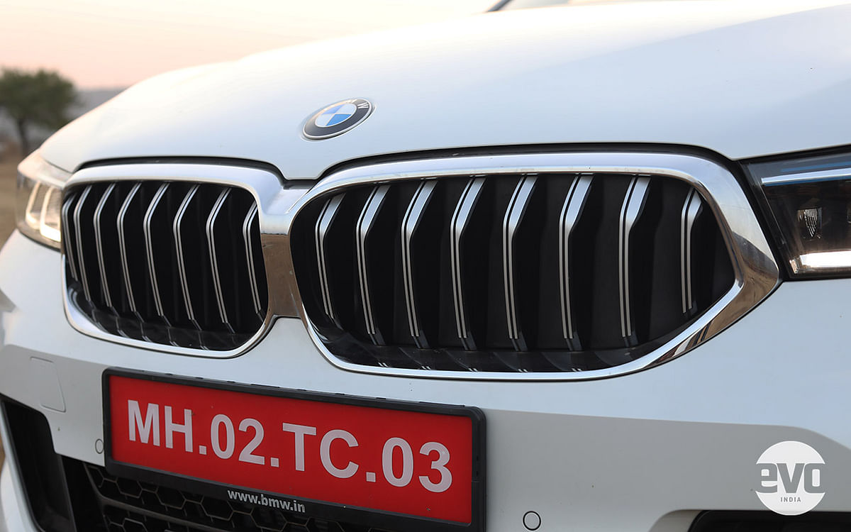 The grille of the 6 Series GT isn't much longer but it is wider than before