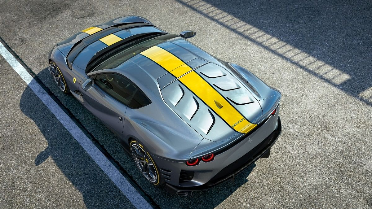 The Ferrari 812 Competizione gets a carbonfibre panel which replaces the rear windscreen