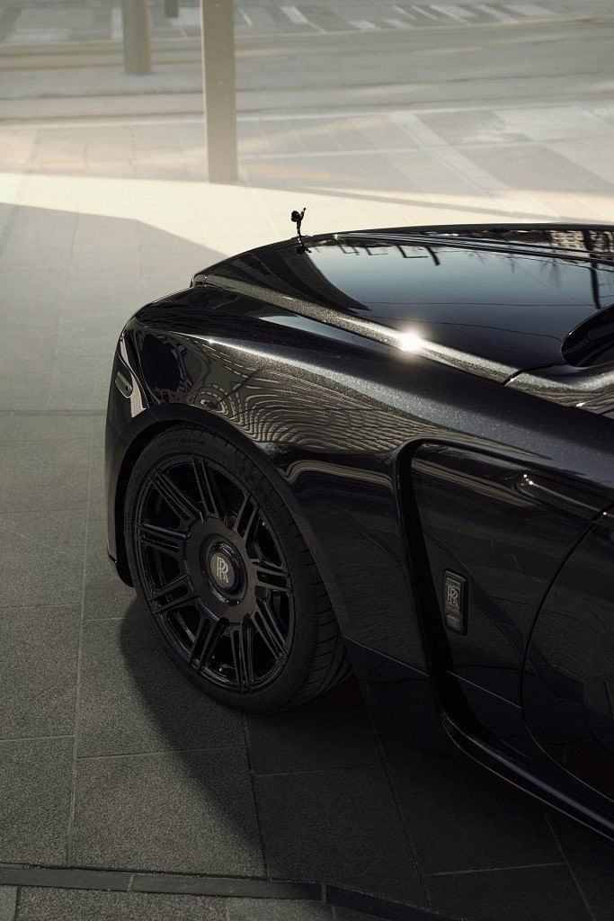 The Spofec SP2 wheels get nine pairs of double spokes with a black large cover concealing the bolts