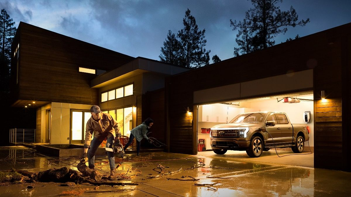The Ford F-150 Lightning gets a power-at-home function which can power your house for 10 days!