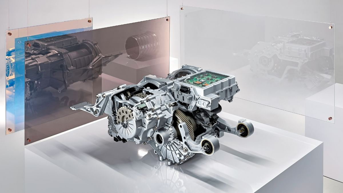 The elelectric motor of a Taycan with the two-speed gearbox