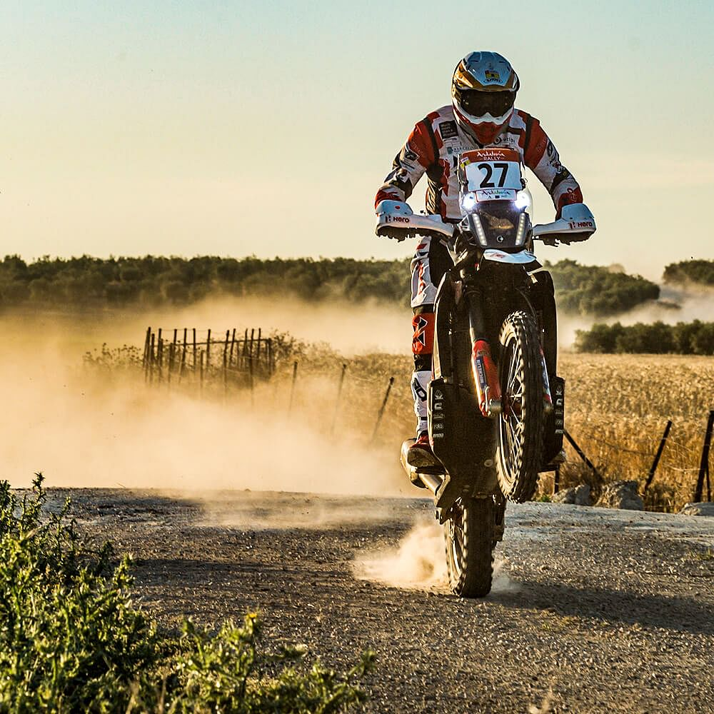 Poping a wheelie from time to time is a good way to pass time on a long stage