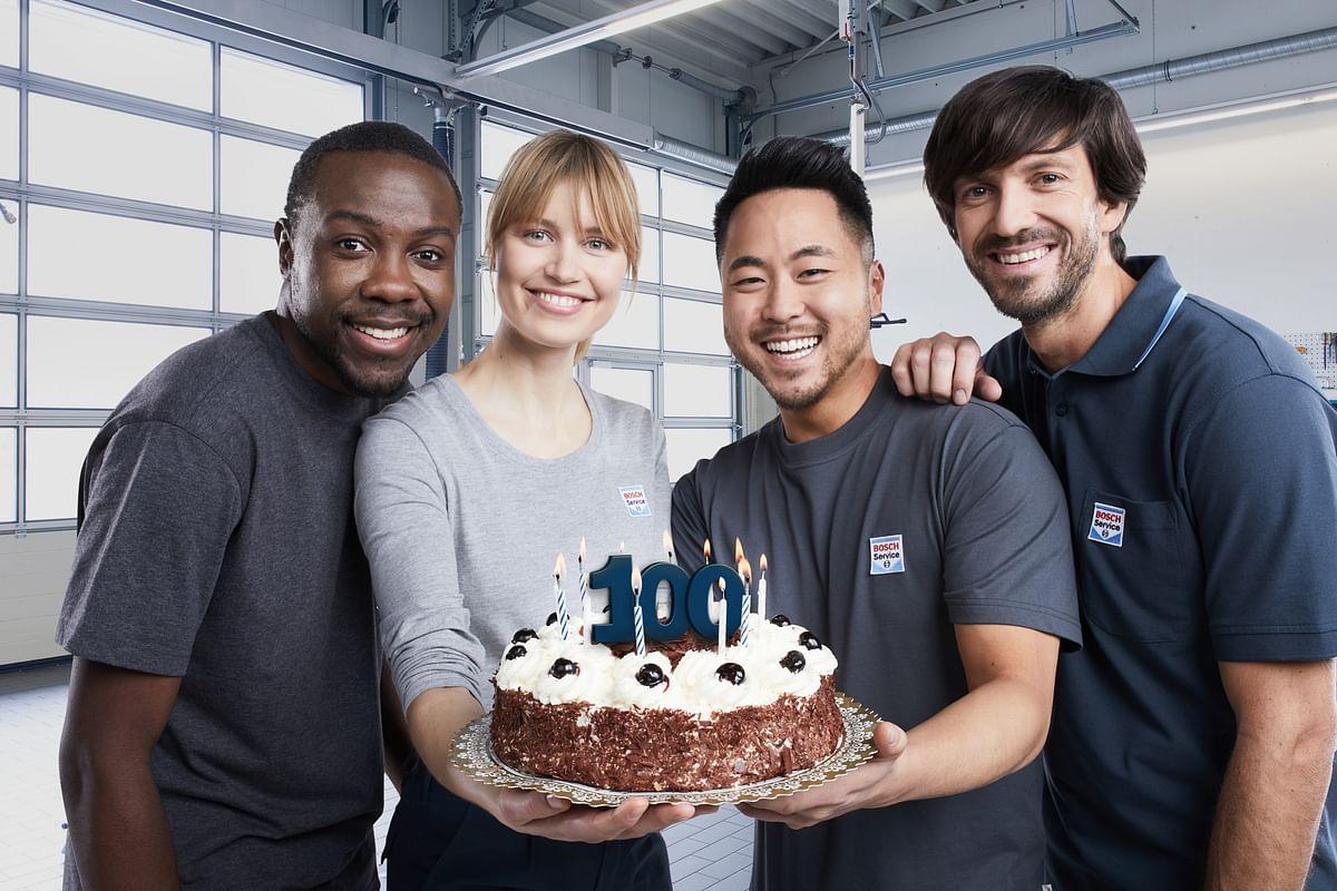 Bosch employees celebrate the centennial of their employer